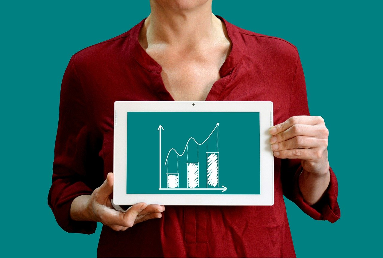Businesswoman with graph concept